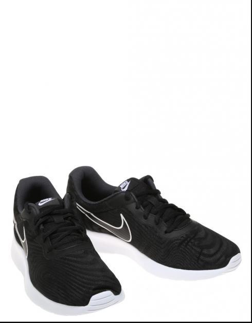 Zapatillas Nike TANJUN en Negro