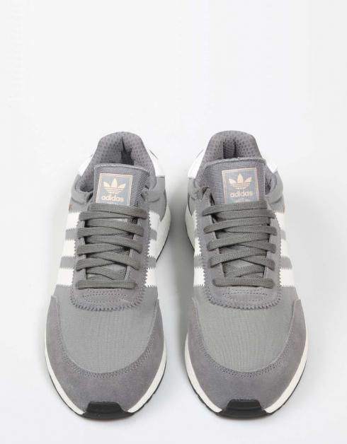 Zapatillas Adidas INIKI en Gris