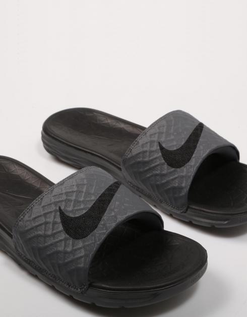 Chanclas Nike BENASSI SOLARSOFT en Gris