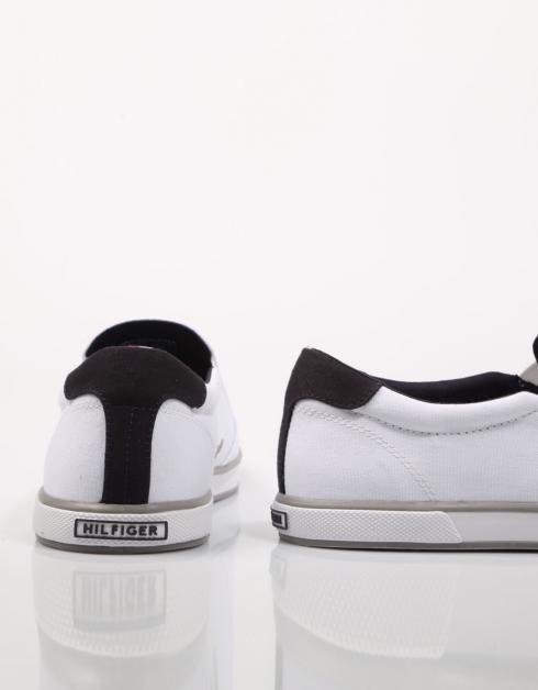 ICONIC SLIP ON SNEAKER